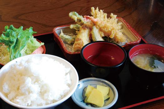 「お昼の日替わり定食(税別500円)」の飯物定食。取材日は天ぷら定食